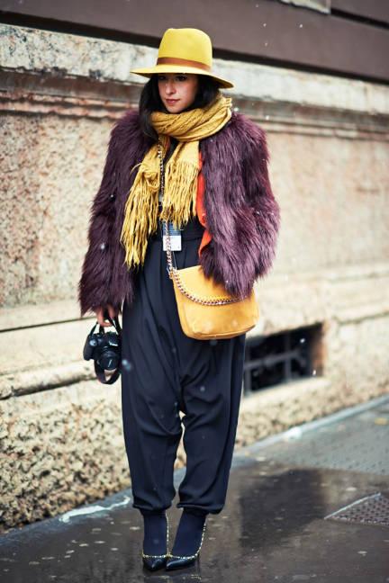 elle-milan-fall-2013-fashion-week-street-style-5-xln-lgn